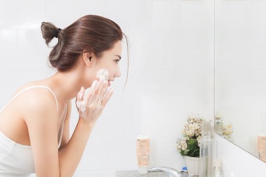skincare resolutions, exfoliating