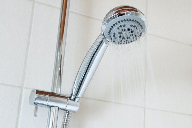rosacea flare-ups, hot water, steamy shower