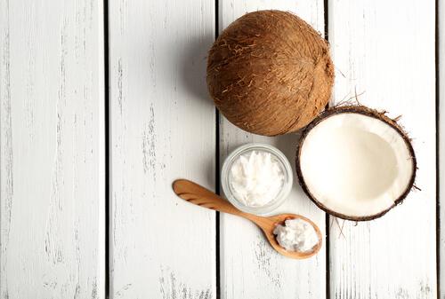 DIY skincare, coconut oil